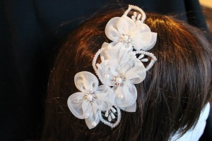 H168 off white organza flower hair slde