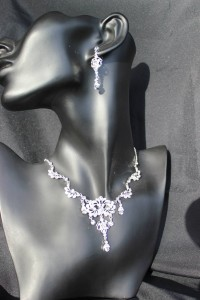 J143 Silver Necklace/earring set